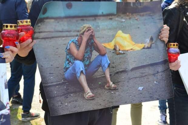 Европа, забери своих убийц! – луганская молодежь пришла под офис ОБСЕ