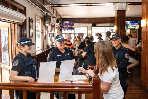 Глоток свободы: вАвстралии открыли пабы после карантина, ноневсе так просто