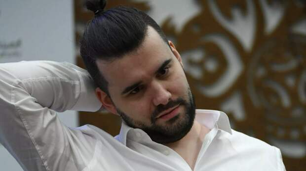Шахматист Непомнящий сыграл вничью с Гири на турнире претендентов в Екатеринбурге