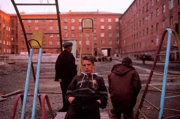 Подростки 90-х. Фото Лиз Сарфати с сайта https://glancejournal.ru