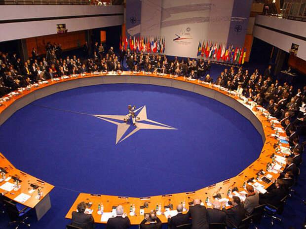 СРОЧНО: На саммите НАТО призвали лидеров стран назвать Россию угрозой миропорядку