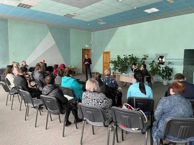 Приморский парламентарий провела встречу с общественностью на актуальные темы