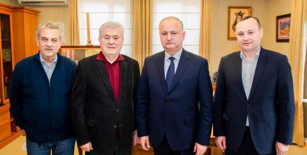 «Последний рубеж битвы за Молдову». Есть ли шанс у союза Додона с Ворониным?