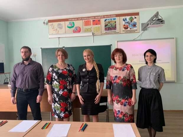 В финальном этапе конкурса «Учитель года России» Севастополь представит Альбина Николаева
