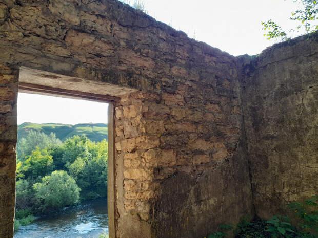 Ведьмина роща на берегу реки. Легенды и быль. Кураповские скалы,и наследие ссср.