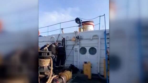 В Ульяновске рабочий шесть часов плавал в баке с топливом, находясь без сознания