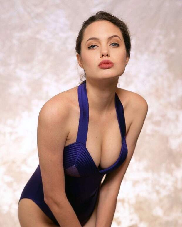 Интересная фотосессия 16 летней Анджелины Джоли
