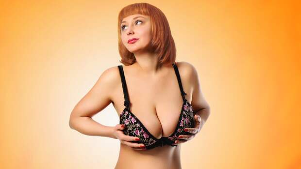 Жительница Австралии с гигантомастией рассказала о минусах большой груди