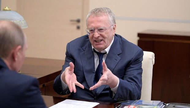 """Жириновский предлагает """"разгрузить"""" президента России"""