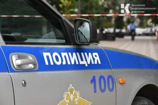 В Севастополе задержали приезжего, громившего припаркованные автомобили