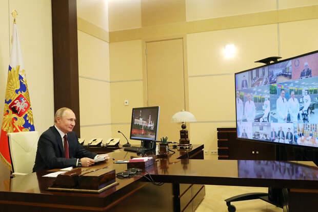 «Где деньги, Зин?»: Путина возмутило занижение зарплат учёным в Новосибирске