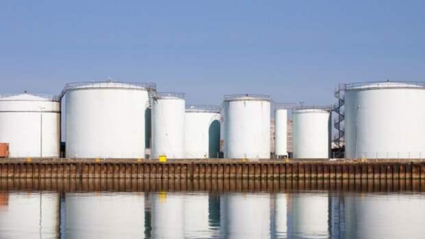 Частным компаниям вСША разрешили хранить нефть встратегическом резерве