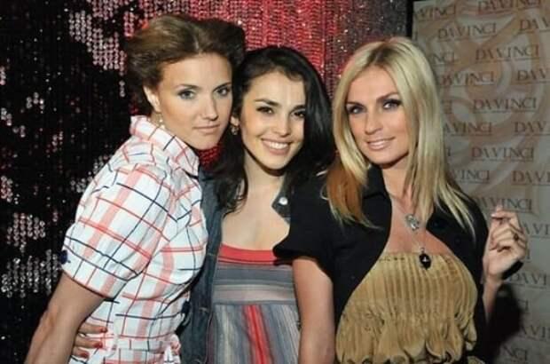 Ирина Тонева со вторым составом группы *Фабрика*   Фото: vokrug.tv