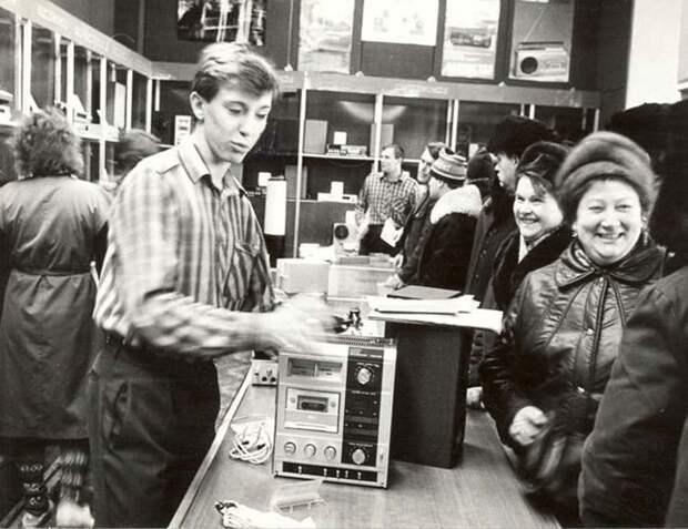 """""""Комки"""" из лихих 90-х, в которых можно было купить всё"""
