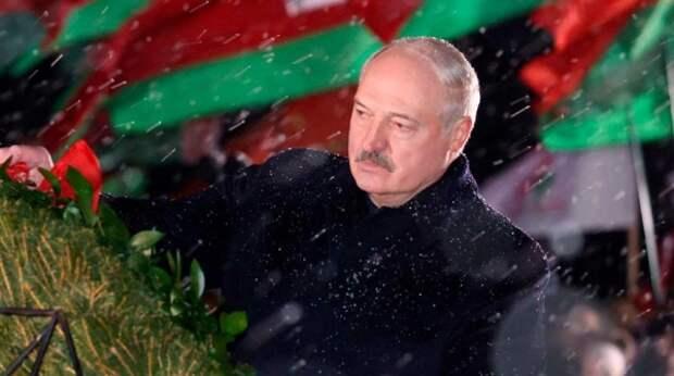США и ЕС хотят сместить Лукашенко и призвали к срочным новым выборам