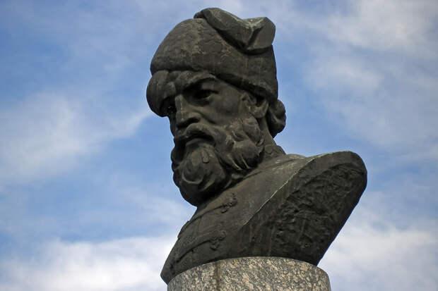 Памятник Кондратию Булавину в Бахмуте — городе, где он впервые выступил против центральной власти