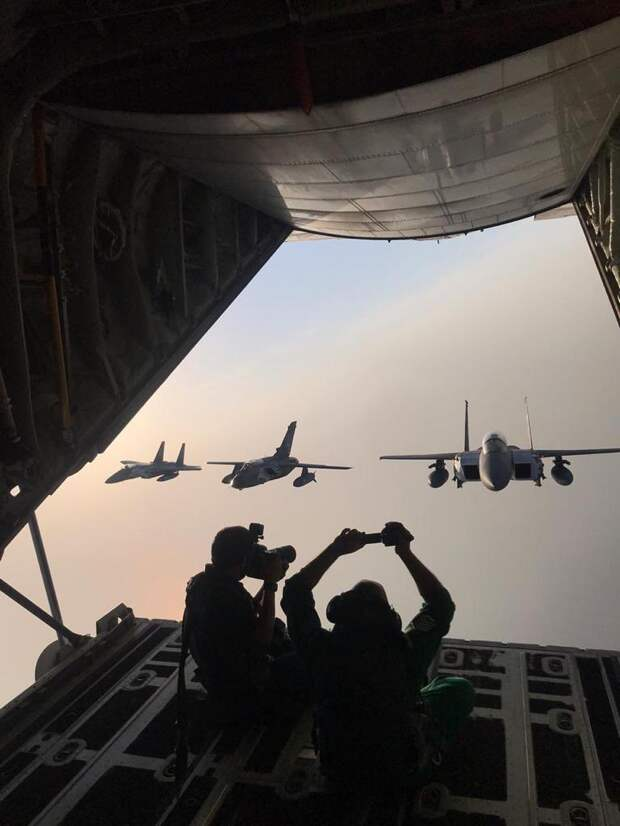 В Саудовской Аравии фотограф показал процесс съемок ВВС королевства