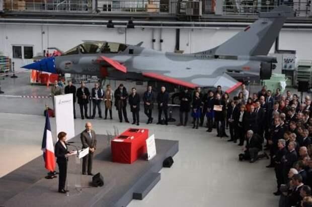 Французское правительство заключило контракт на Rafale F4