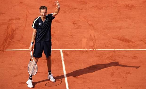 Медведев вышел в четвертьфинал «Ролан Гаррос»