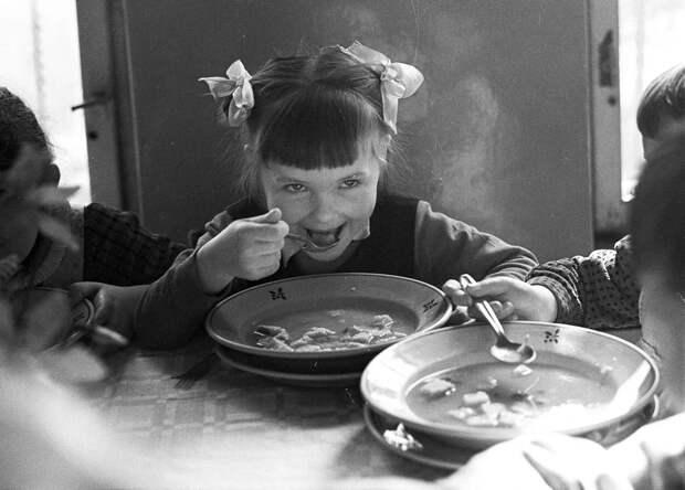 «Нищета» советской кухни: в чём была её причина. Моё мнение