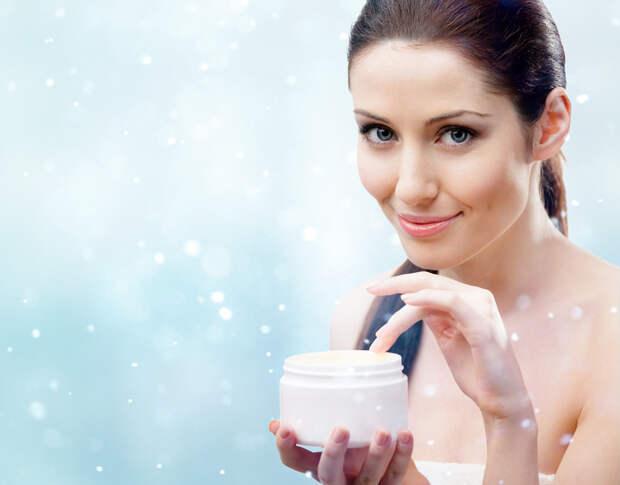 Как увлажнить лицо зимой: 5 советов экспертов+5 нужных средств