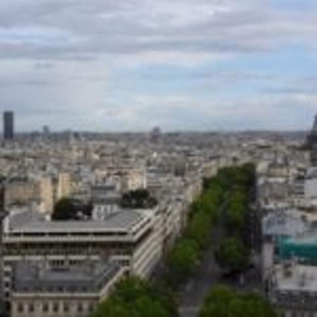 В Париже за брошенный окурок-штраф 68 Evro