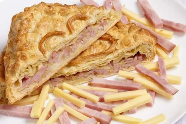 Французский закрытый пирог с ветчиной