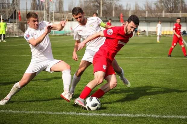 Тур неожиданностей в крымском футболе