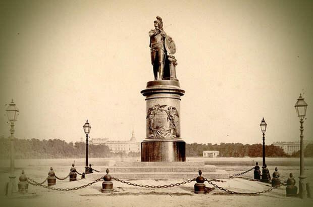 Памятник Суворову открыли 220 лет назад