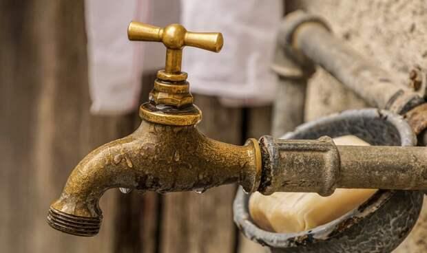 Симферопольцам перекрыли воду в воскресенье