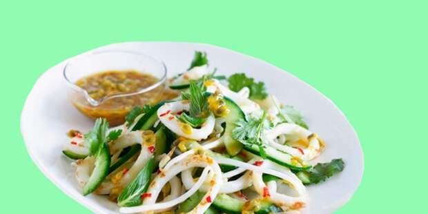15 простых и очень вкусных салатов с кальмарами