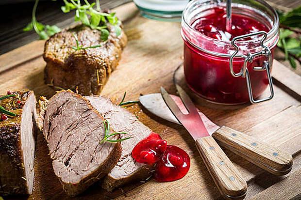 Клюквенный соус к мясу: все просят добавку