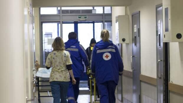 Врачи сообщили о тяжелом состоянии раненной в Екатеринбурге девочки