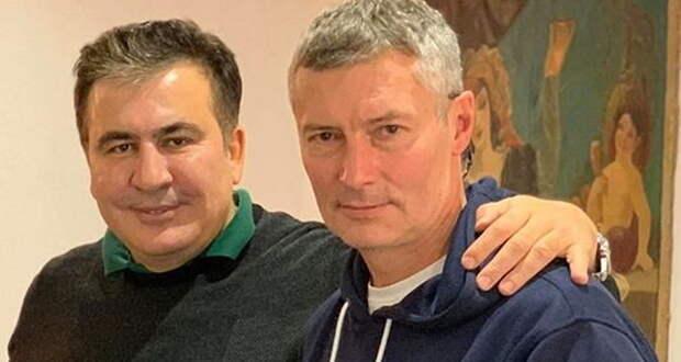 Экс-мэр Екатеринбурга с улыбкой позировал с убийцами русских