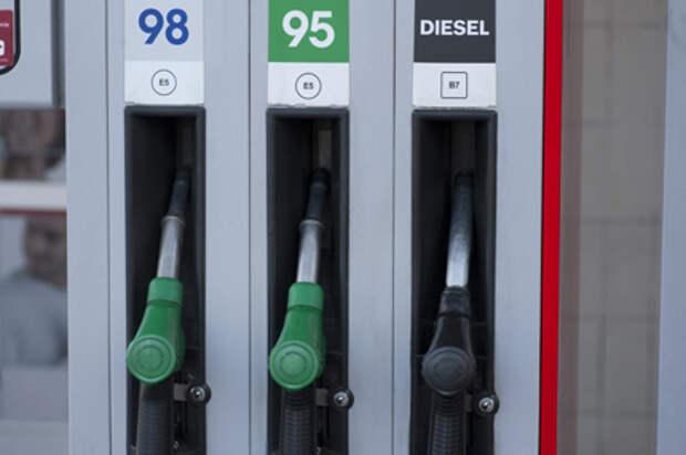 Минэнерго в ближайшие дни решит, запрещать ли экспорт бензина из России