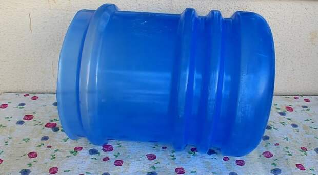 Стильно и практично: оригинальная идея переделки 19-литровой бутылки