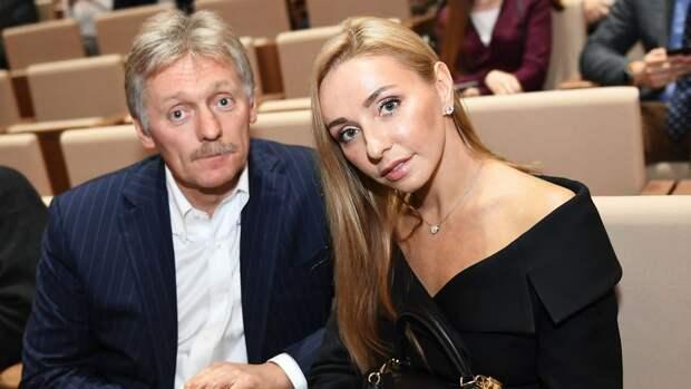 Навка поздравила российских фигуристов с победой на командном ЧМ