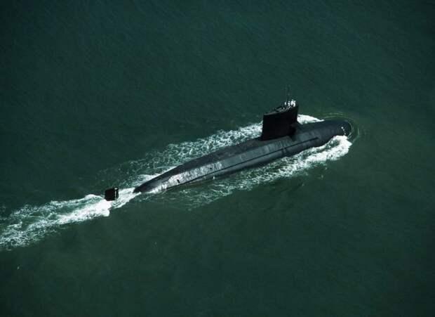 У берегов Японии обнаружена неизвестная субмарина