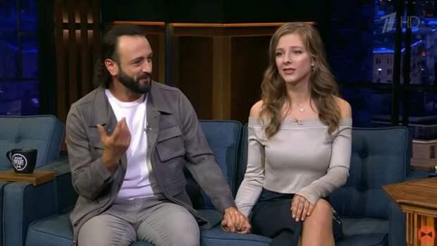 Лиза Арзамасова ответила на вопрос об отношениях с Авербухом за 10 лет до свадьбы