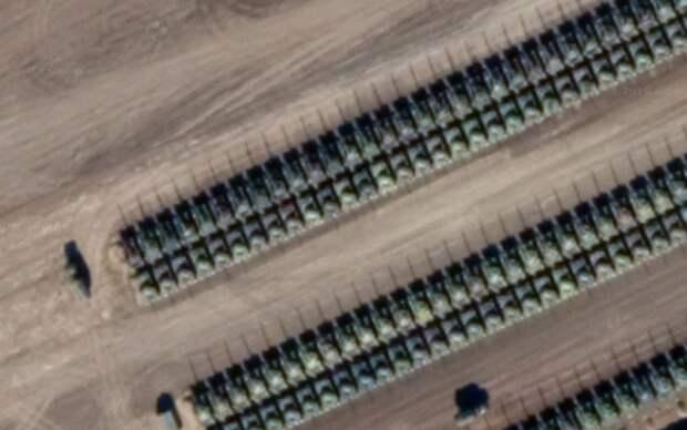 «Танковая орда» на границе России с Украиной попала на спутниковые снимки