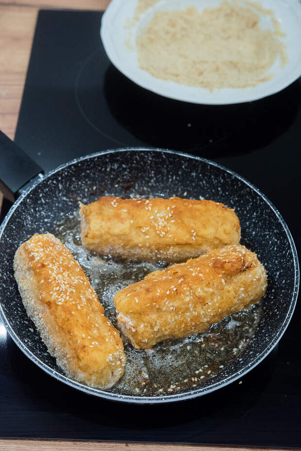 Рулетики из свинины-это аппетитная идея обеда.