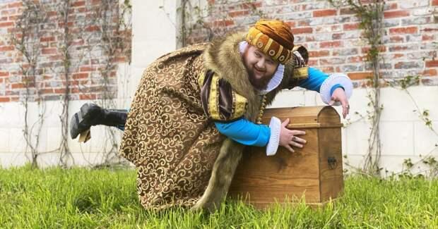 Танцор из клипа Little Big сыграл принца в новом сериале