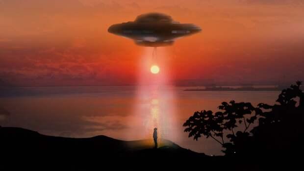 Билл Клинтон оценил вероятность существования НЛО