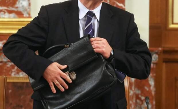 Заговор против Медведева возглавят люди с очень большими деньгами