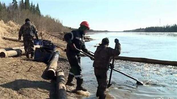 Выброс нефтесодержащей жидкости в Коми был локализован
