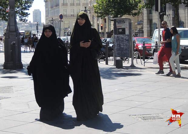 Эта французская традиция «свободы, равенства, братства» оставила абсолютно свободное пространство для терроризма Фото: Дарья АСЛАМОВА