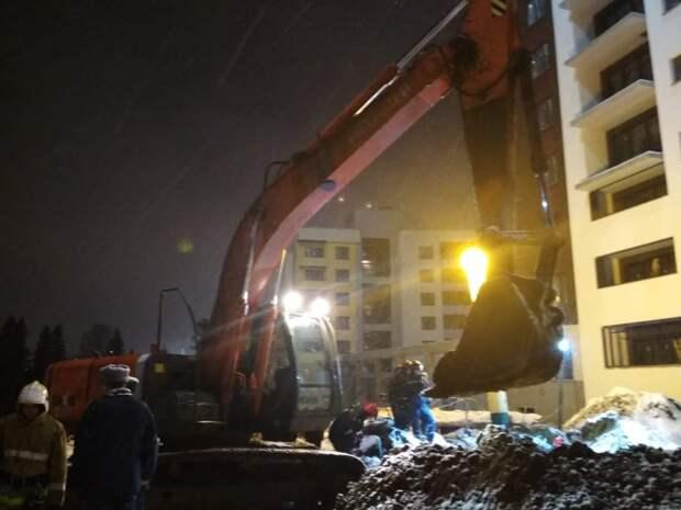 Два человека погибли при обвале грунта в котловане в Ижевске