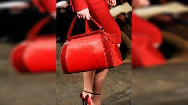 Выбираю сумку на весну-лето в магазине Joom, слышала, что цены там хорошие. Хочу модель, чтобы подошла под любой наряд