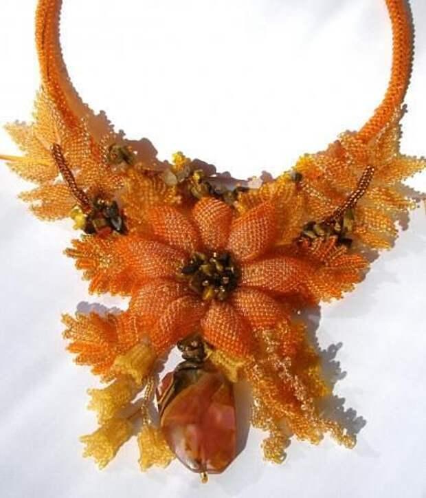 Осенние украшения из бисера. Красота и кропотливый труд.