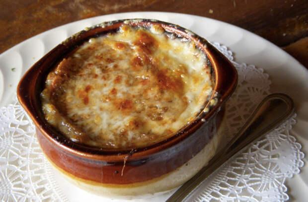 Луковый суп без мяса: сварили сытнее борща